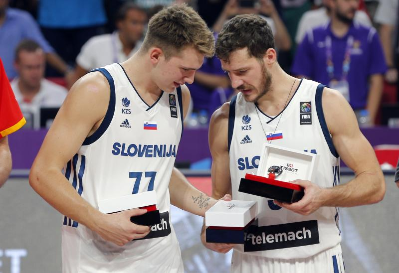 Analiza in anketa: Kako bi Jugoslavija v košarki ostala velesila in še naprej zmagovala - če bi še obstajala ...