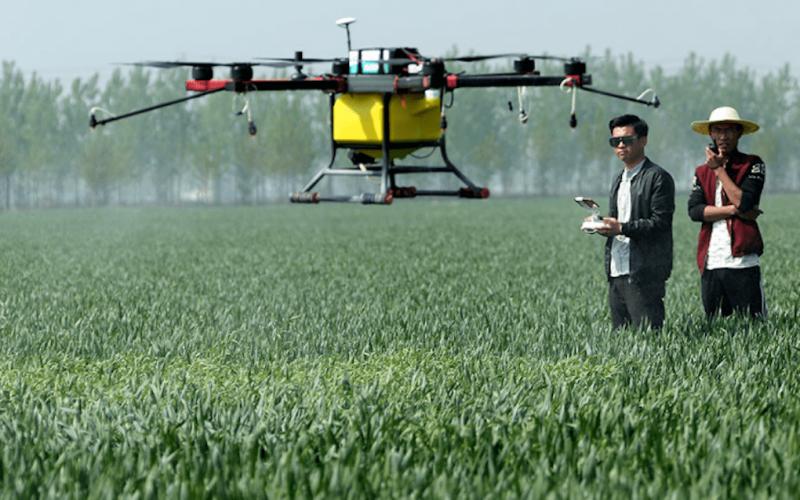 Kmetijstvo z letalniki doživlja revolucijo, slovenskemu kmetijskemu ministru Podgoršku pa se o tem niti ne sanja