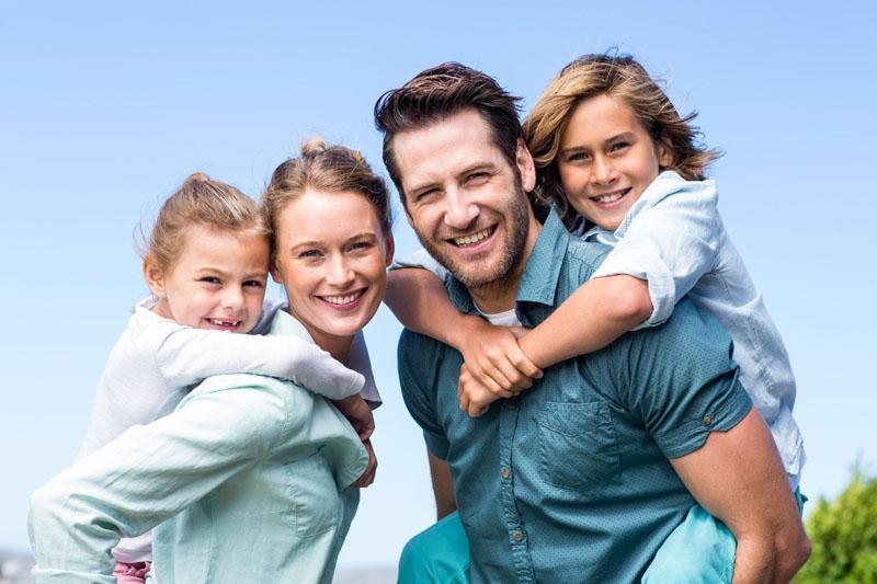 Slovenski poslanci preglasovani: Evropski parlament spreminja tudi slovenski starševski dopust za očete
