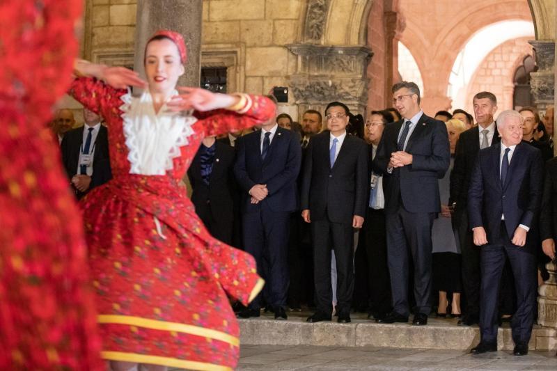 Evropa odpira vrata sodelovanju s Kitajsko, Slovenija se obotavlja, v Dubrovniku pa samo devet slovenskih podjetij!