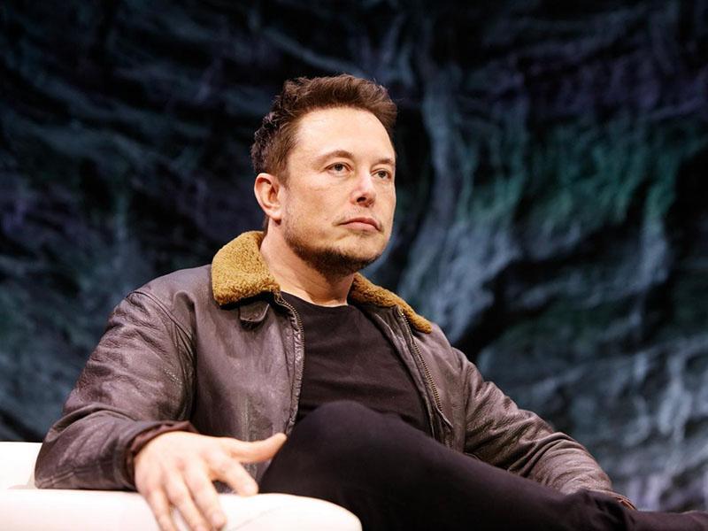 Tesla kmalu s povsem avtonomno vožnjo