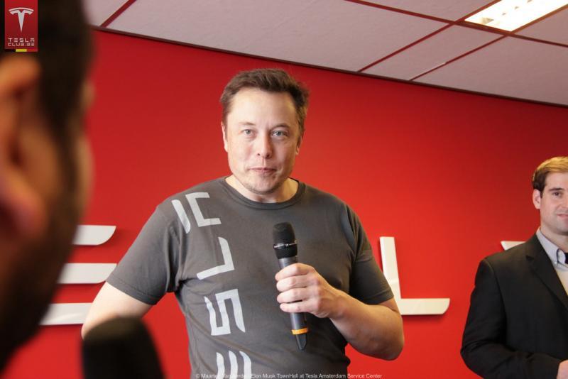 Musk celotno plačo vezal na uspeh Tesle