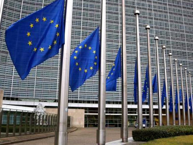 Evropska komisija zavrača Salvinijeve kritike
