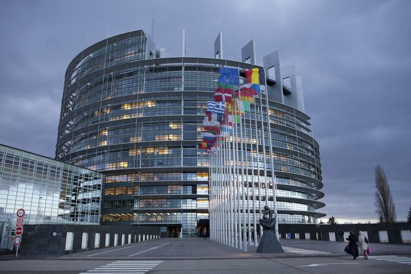 Slovenski poslanci v Strasbourgu večinoma za direktivo o avtorskih pravicah