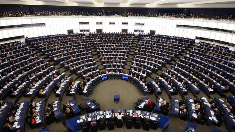 V Sloveniji največ glasov za SDS in SLS, Evropska ljudska stranka v Evropskem parlamentu pa izgubila moč