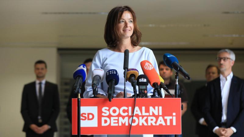 Anketa: Podpora SD in Fajonovi navzgor, sopotnikom SDS pa se vstop v Janševo vlado že maščuje