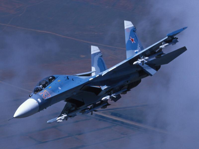 Kaj se skriva za drzno potezo, s katero je Su-27 odgnal ameriškega F-15? Ruski pilot poslal brutalno sporočilo