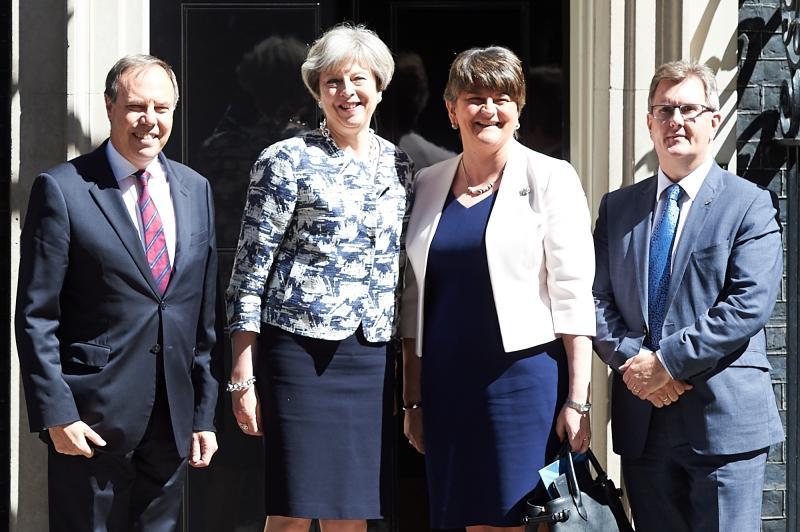 Zaradi brexita grozi nova kriza britanske vlade