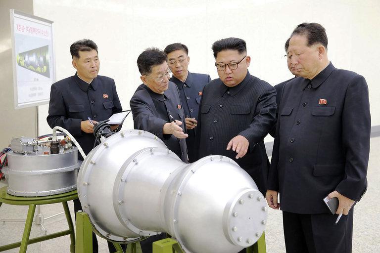Japonsko obrambno poročilo: Severna Koreja že zna »pomanjšati« jedrske bojne glave