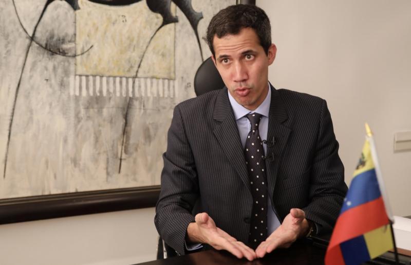 Prosi za okupacijo: Samooklicani Gauido ne izključuje svoje »avtorizacije« ameriškega napada na Venezuelo