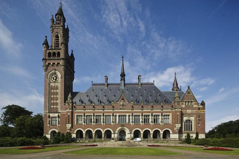 Arbitražno sodišče razveljavilo 9,5 milijarde dolarjev odškodnine Chevrona Ekvadorju