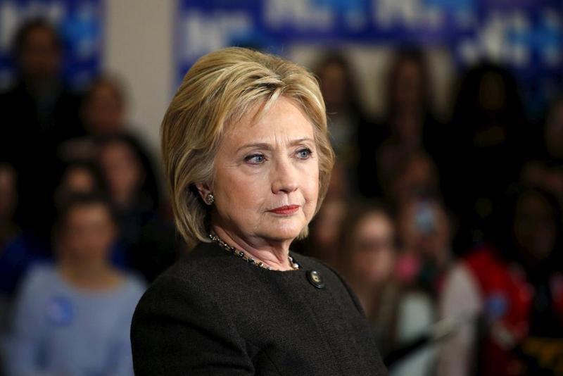 Clintonova po soočenju razigrana, Trump išče izgovore in grozi z ostrejšim nastopom