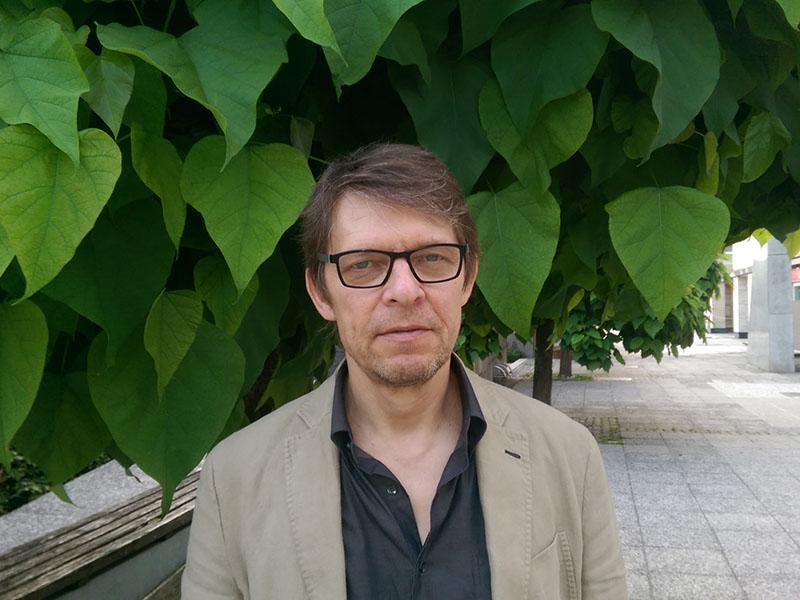 Igor Pribac: