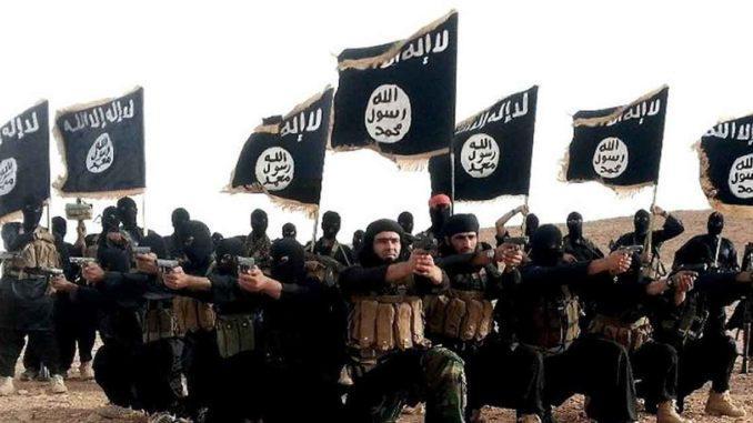 Teroriste zaradi koronavirusa strah Evrope: ISIS jih roti, da naj se izogibajo »kužni deželi«, molijo in »pogosto perejo roke«