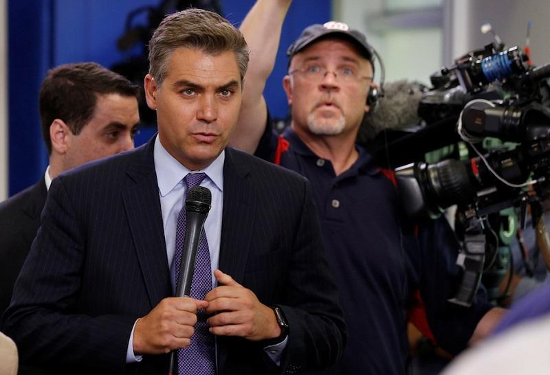 Sodišče vrnilo novinarju CNN dostop v Belo hišo