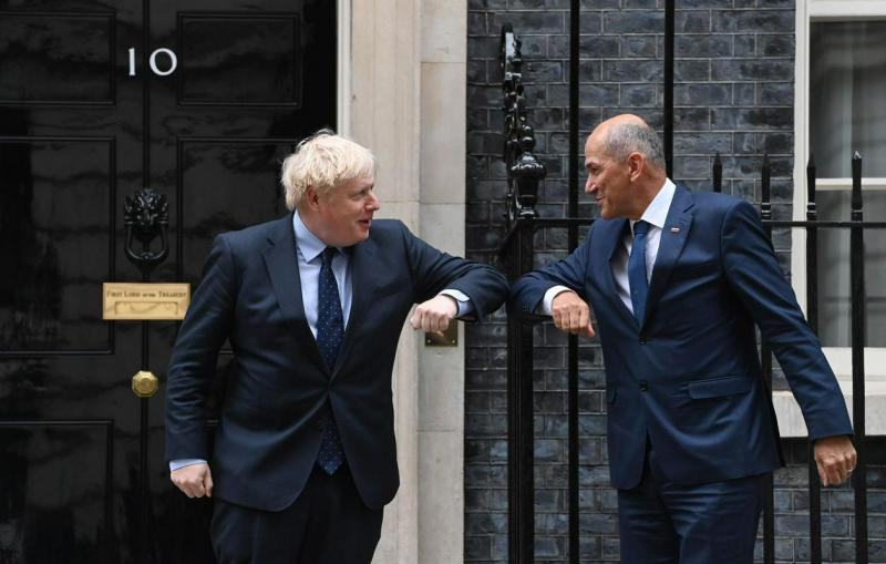Nesolidarno: Voditelji EU se Veliki Britaniji v zadnjem času izogibajo, Janša pa je kljub temu obiskal Johnsona
