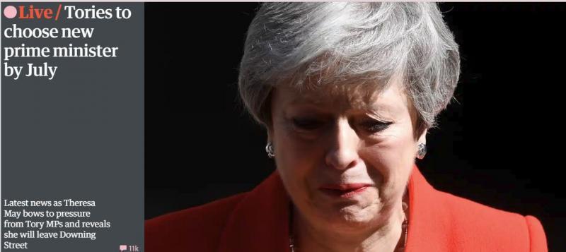 Solze ob odhodu: Theresa May odstopa 7.junija, britanska opozicija zahteva nove volitve