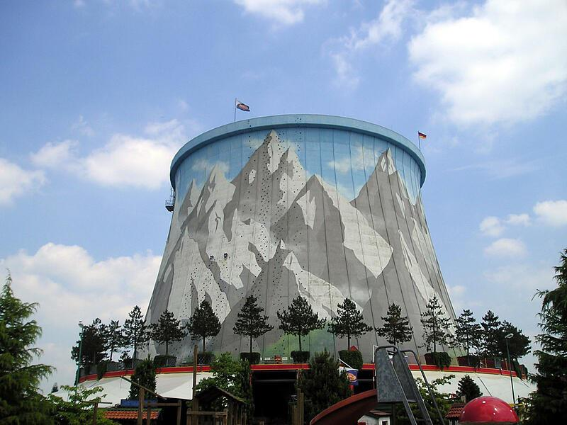 Kam po zabavo? Jasno, v zabaviščne parke sredi jedrskih elektrarn!