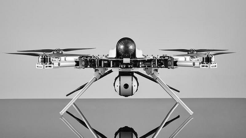 Strokovnjaki OZN: V Libiji domnevno prvič uporabljen leteči ubijalski robot, »kamikaza« z umetno inteligenco