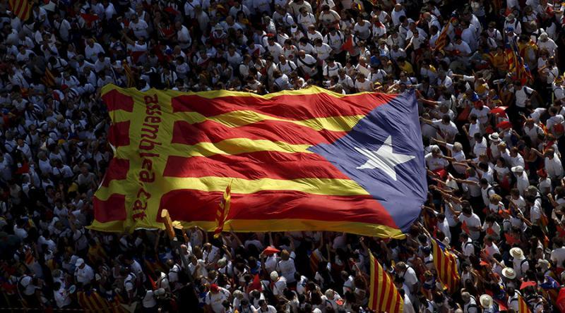 Tri tedne pred referendumom o Kataloniji velike demonstracije