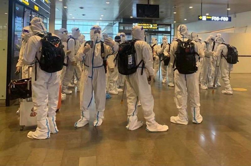 Kako Evropo vidijo Kitajci: Kitajska hokejska reprezentanca v »kužno Švedsko« vstopila kot na Mars
