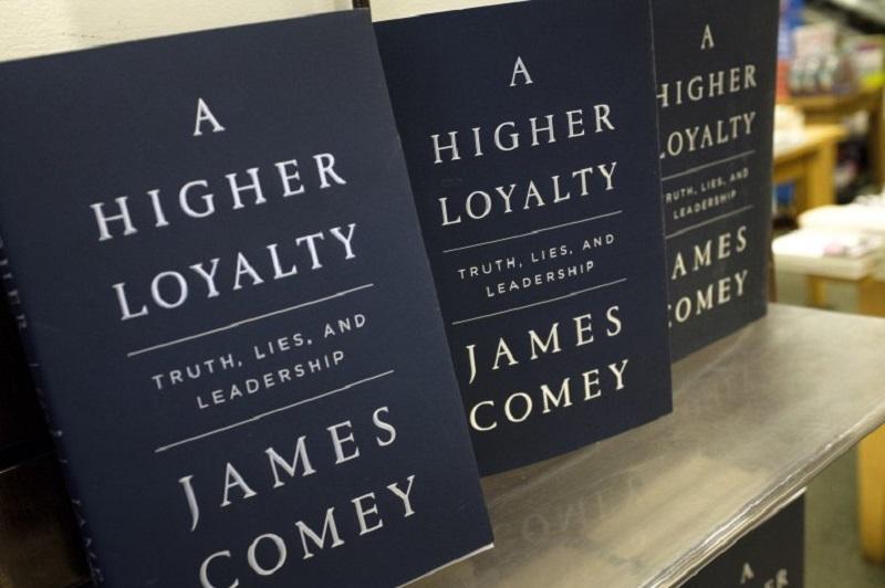 Comeyjeva knjiga zbuja manj zanimanja kot prejšnje knjige o Trumpu