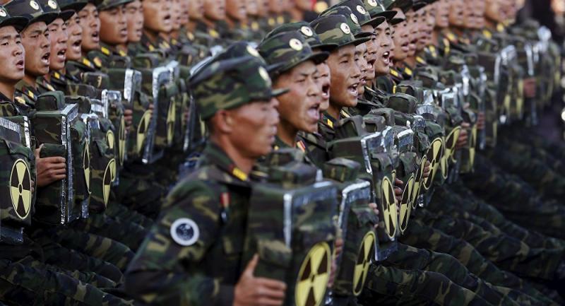 Južnokorejska vojska izstrelila več strelov proti severu zaradi prebežnika