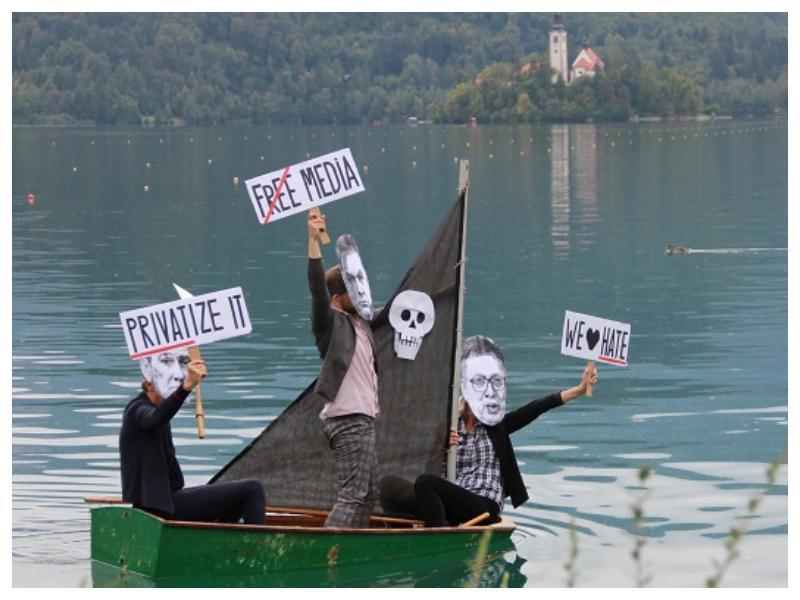 Protestniki s transparenti in liki »treh gusarjev«, Orbána, Vučića in Janše - zasenčili Blejski strateški forum!
