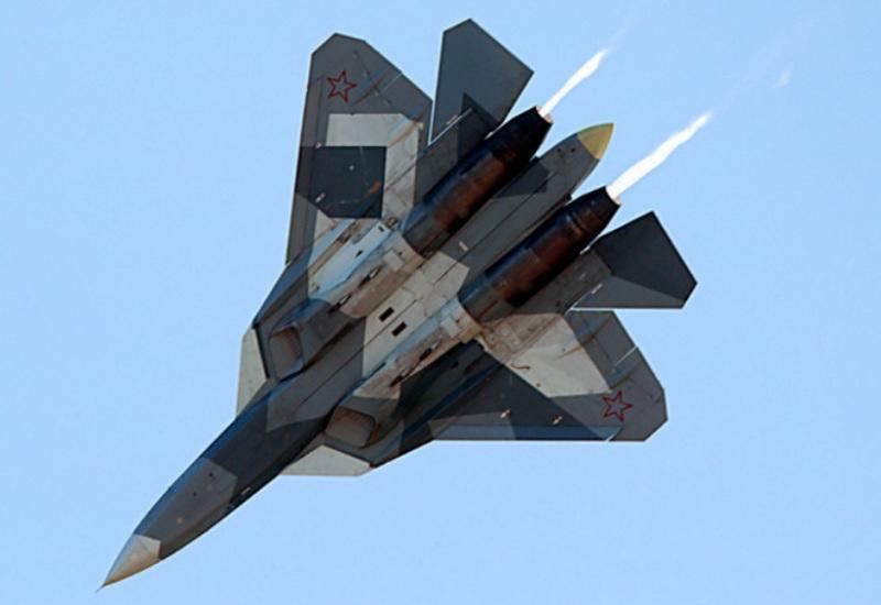 Kaj menijo strokovnjaki o uvedbi Su-57 v rusko letalstvo?