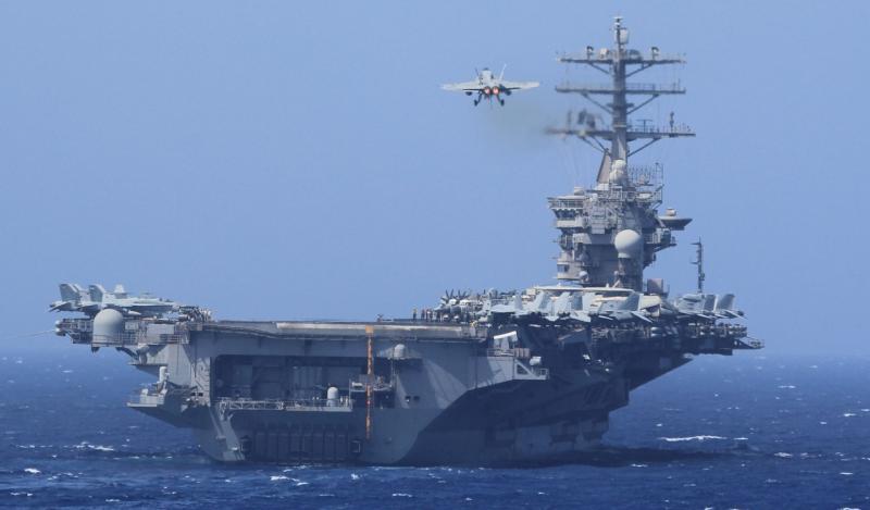 Pentagon: Iranski dron se je nevarno približal ameriški letalonosilki