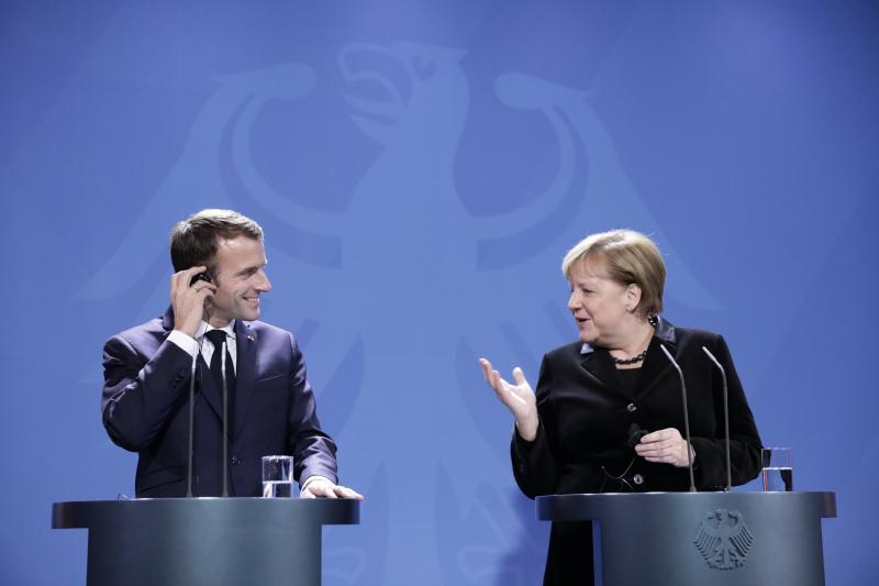 Macron in Merklova v Berlinu za