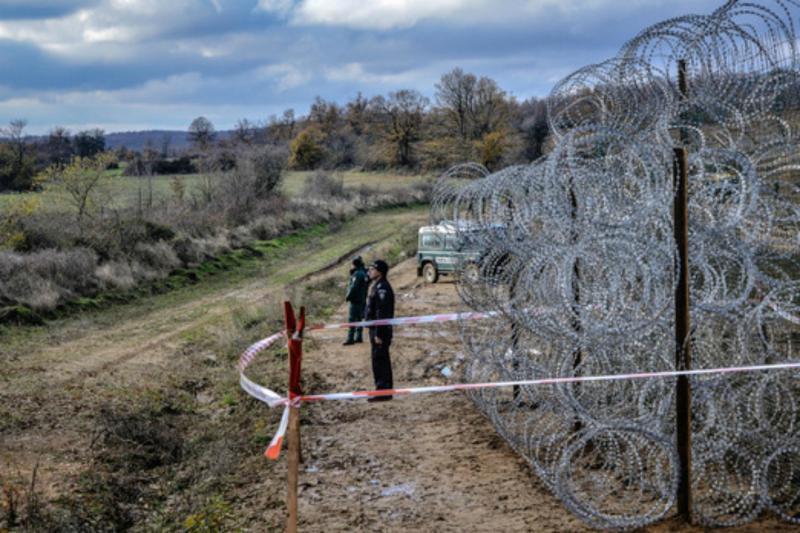 Madžarska končala gradnjo druge ograje na meji s Srbijo