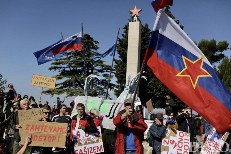 Primorski upor: Janša in člani SDS protestni odgovor na svoje žalitve dobili v antifašističnih Marezigah