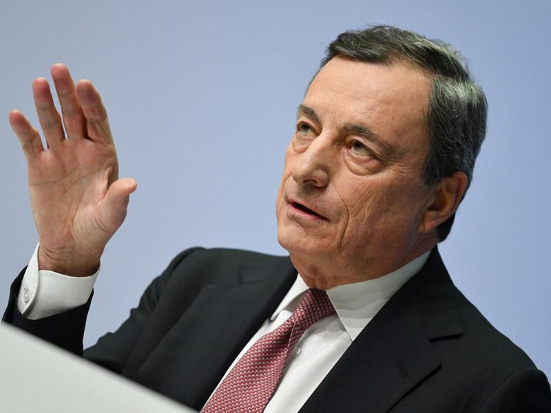 Kako pomembno je zaupanje v predsednika vlade? V Italiji je Draghi že »dramatično« spremenil italijansko politiko