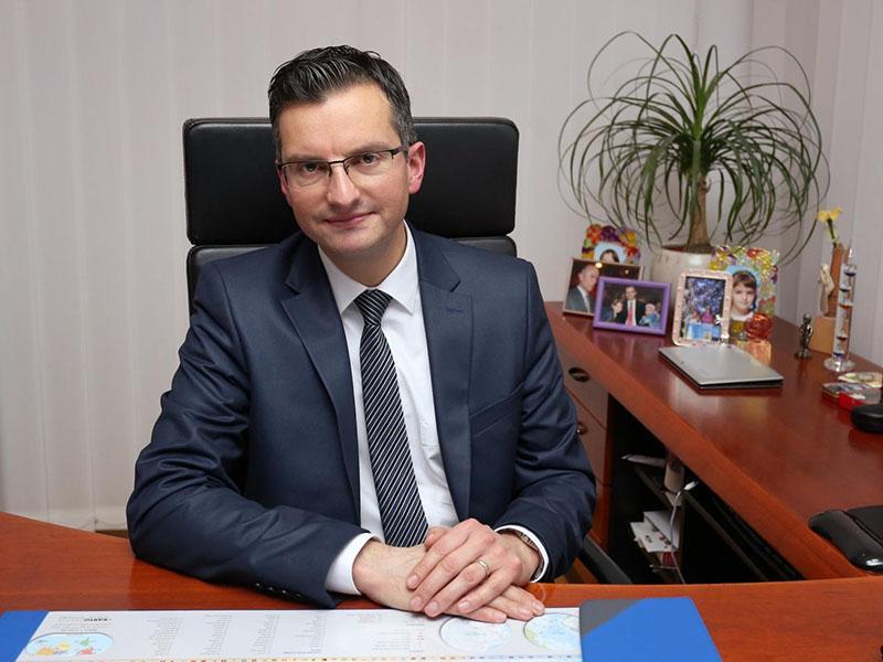 Iskanje ministrov Šarčeva prva mandatarska naloga