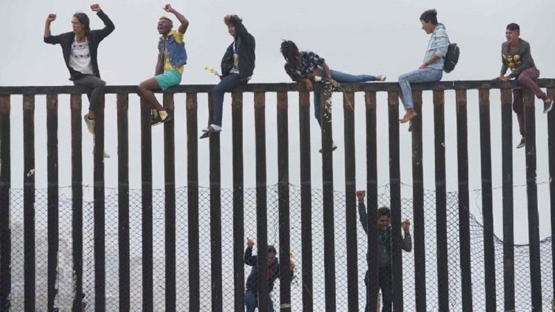 Trumpov zid, ki ga »ni mogoče preplezati«, bodo gorski plezalci preplezali v okviru novega tekmovanja