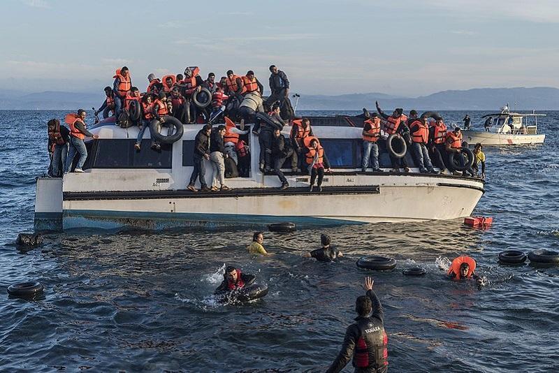 Italijanski notranji minister Salvini prepovedal izkrcanje migrantov zaradi upora na ladji