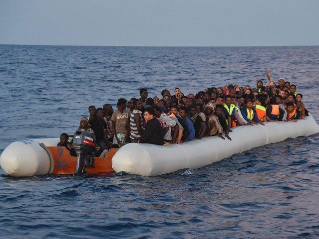 Nasilni protesti v Tuniziji po nedeljski tragediji čolna z migranti