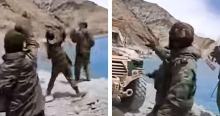Skrivnost na Himalaji: je Kitajska indijske vojake »na strehi sveta« napadla z novim, mikrovalovnim orožjem?