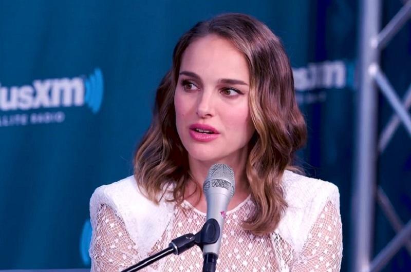 Natalie Portman v režiserski in dvojni igralski vlogi