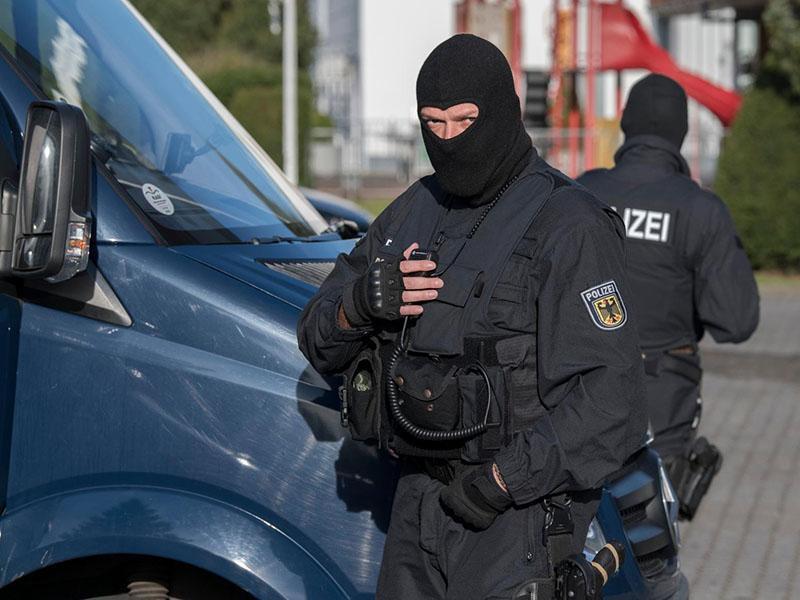 Novo leto se je pričelo z rasističnim napadom v Nemčiji; štirje ranjeni