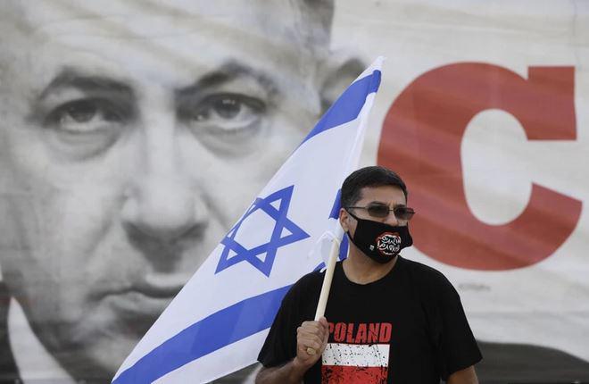 Kako priročno? Ključna priča tožilstva na sojenju Netanjahuju umrla v letalski nesreči