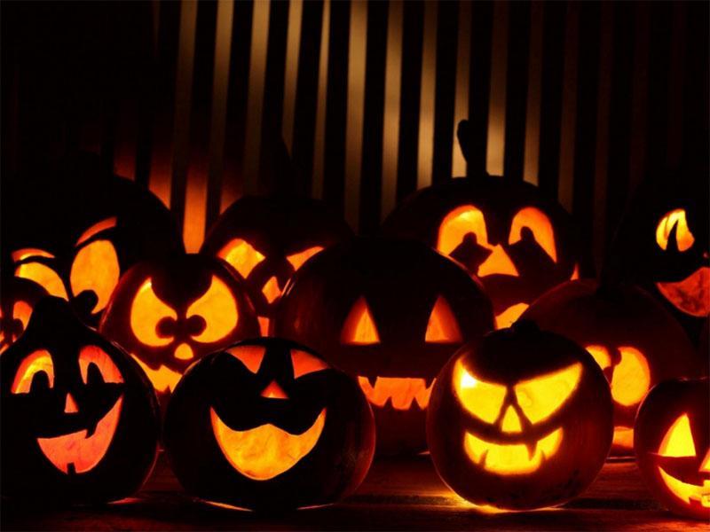 Noč čarovnic kakor še en pust