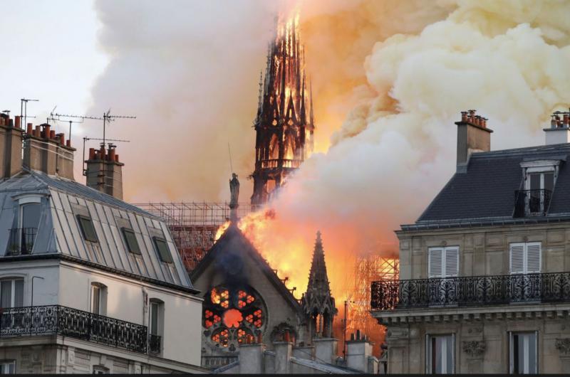 Levica: »Grims pravi, da predstavlja Notre Dame simbolni konec veličastne evropske civilizacije, ki jo ogrožajo islamisti«
