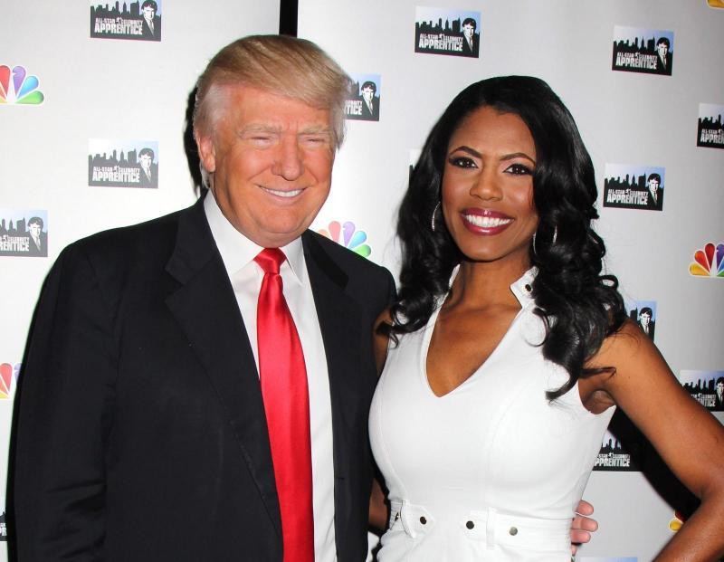Brez Melanie v bližini se Donald Trump obnaša kot »pes, spuščen s povodca«