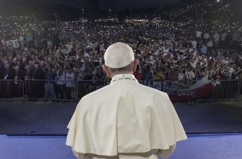 Papež ob svetovnem dnevu revnih: Krik revnih vse manj slišen zaradi ropot bogatih