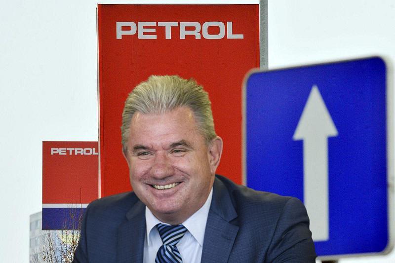 Zloraba: vlada deregulirala cene goriv na trgu s šibko konkurenco, dobiček pa že kuje minister Vizjak