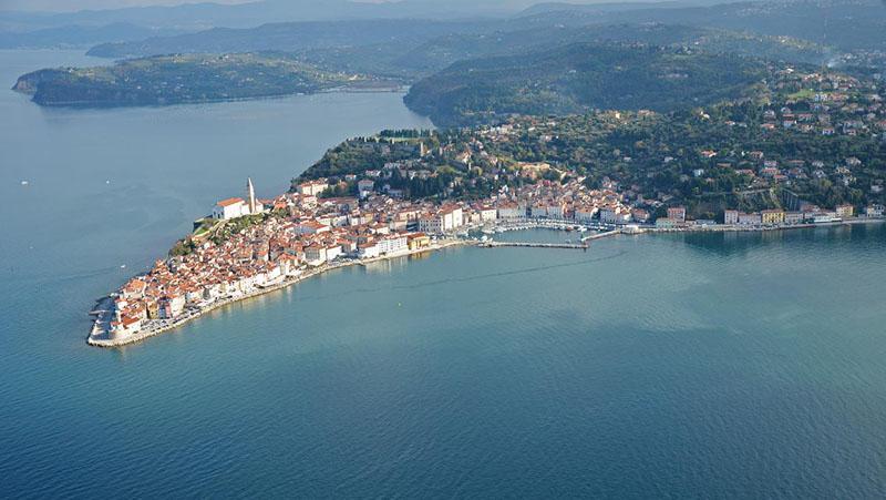 Glavne slovenske turistične destinacije poleti skoraj polno zasedene