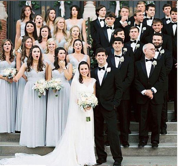 Skrivnost poročne fotografije s kančkom groze: izraz na obrazih poročnih prič razkriva tragedijo na obzorju …