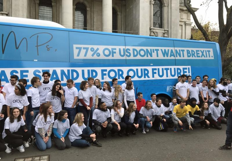 Državljani EU v vse večjem številu zapuščajo britanske bolnišnice in univerze